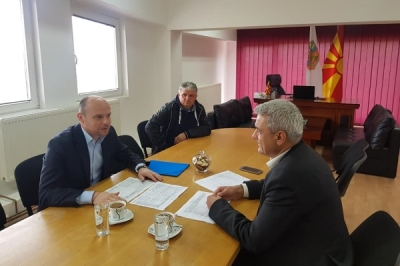 Заменикот министер за локална самоуправа Дејан Павлески во посета на општина Карбинци
