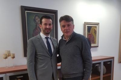 Takim i ministrit për vetëqeverisje lokale me kryetarin e komunës së Shkupit