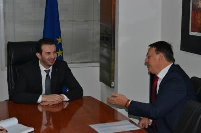 Takimi i ministrit Fazliu me ish kryeministrin slloven Rop