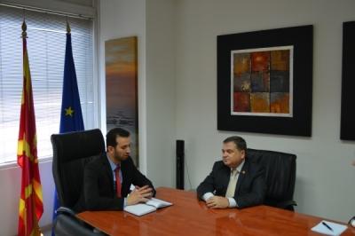 Takim i ministrit Fazliu me ambasadorin francez Kristian Timoniе