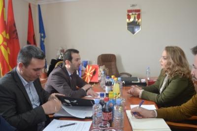 Средба на министерот Фазлиу со градоначалничката на Арачиново Халими