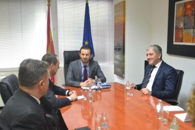 Takim i ministrit të vetëqeverisjes lokale Suhejl Fazliu me ambasadorin e Republikës së Bullgarisë në Republikën e Maqedonisë, Angel Angelov