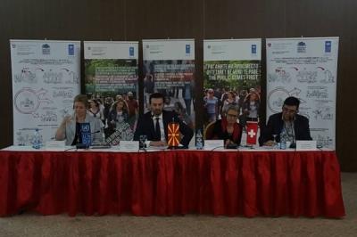 """Министерот за локална самоуправа Сухејл Фазлиу на Конференцијата """"Зајакнување на општинските совети-Нов почеток на локалната демократија"""""""