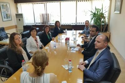 Заменикот министер за локална самоуправа Дејан Павлески на средба со градоначалникот на Штип Благој Бочварски и амбасадорката на Јапонија во Република Македонија, Кеико Ханеда