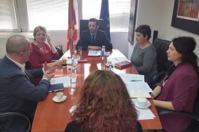 Takimi i ministrit për vetëqeverisje lokale Suhejl Fazliu me përfaqësuesen e përhershme të UNDP-së në Republikën e Maqedoni, Louisa Vinton