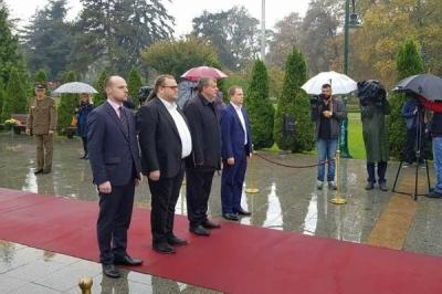 """Qeveria e Republikës së Maqedonisë: Festa """"Dita e luftës revolucionare maqedonase - 23 Tetori"""" na obligon që bashkërisht ti drejtojmë betejat tona në ardhshmen  - për paqe, për stabilitet, për një jetë më të mirë në Maqedoninë tonë"""