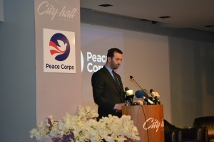 Minister of Local Self-Government Mr. Suhеil Fazliu and US Embassy Mr. Jess Bailey at a forum with mayor