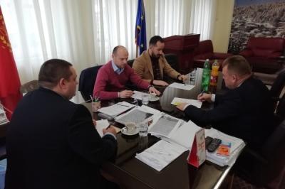 Во Крушево и во Демир Хисар цврстиот отпад ќе се собира и транспортира со специјализирани возила