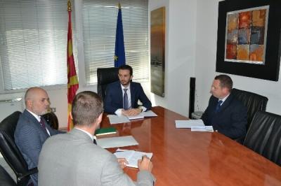 Министерот Фазлиу се сретна со британскиот заменик амбасадорот Пол Едвардс