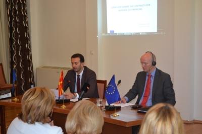 U nënshkruan kontratat për bashkëfinancimin të tetë projekteve nga Programi për bashkëpunim ndërkufitar me Kosovën